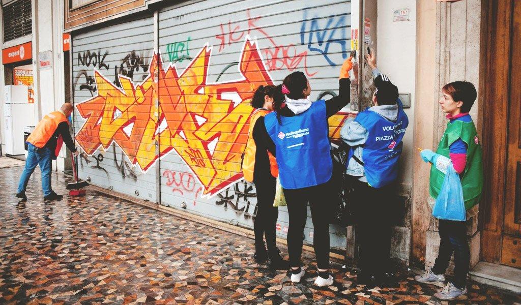 Il nuovo fenomeno rivoluzionario per chi ama la propria città: RETAKE ROMA